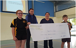 Blackbutt P&C Donates Cheque to support the Year 6 Camp
